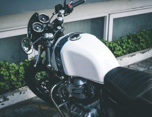 moto-blanche-gps